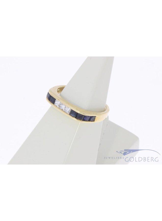 Vintage 18k gouden alliance ring met blauwe saffier en ca. 0.15ct prinses geslepen diamant