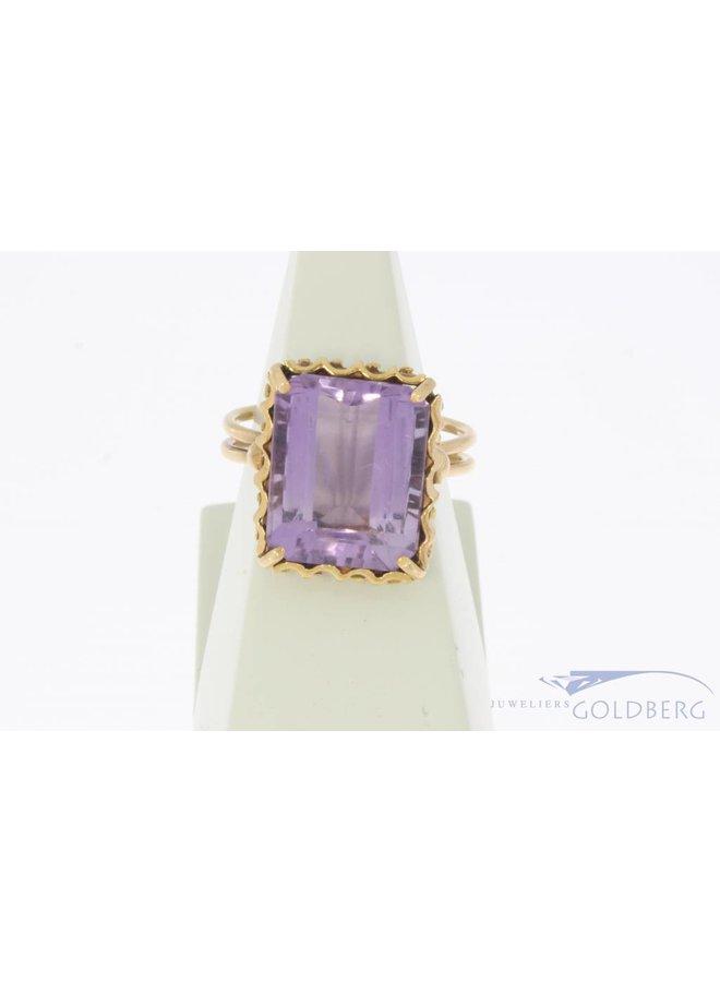 Vintage 18 carat gold ring amethyst