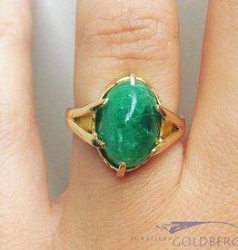 Vintage 18k gouden ring  met cabochon geslepen smaragd