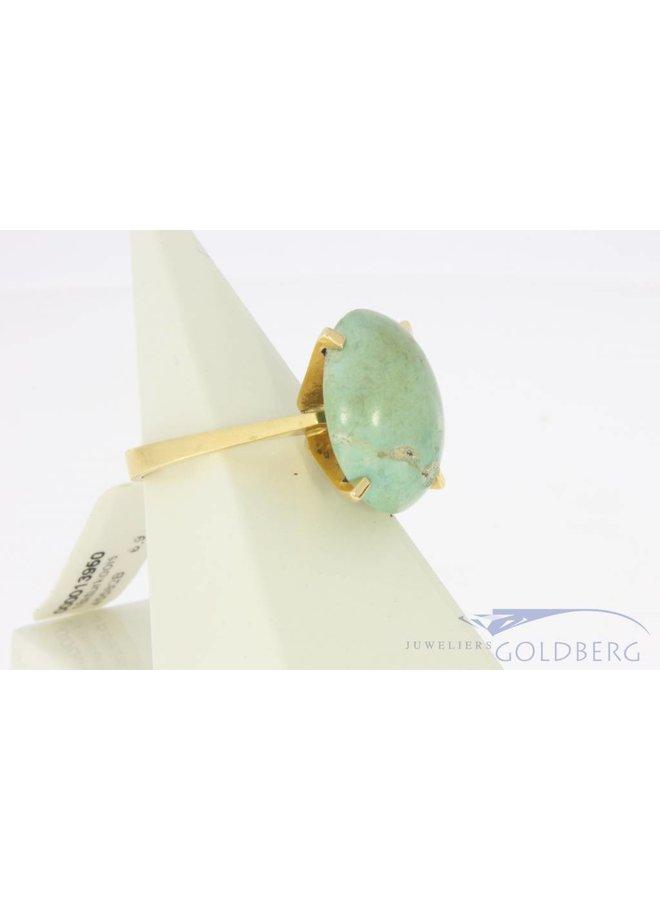 Robuuste vintage 18k gouden ring met grote turkoois