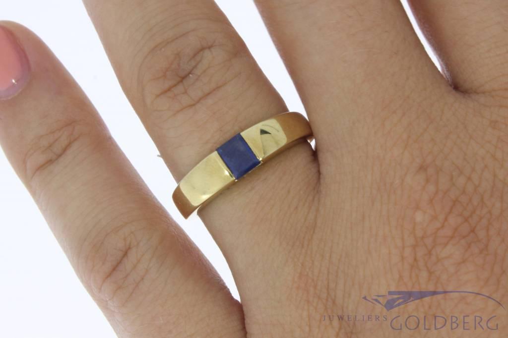 Strakke vintage 14k gouden unisex ring met blauwe saffier