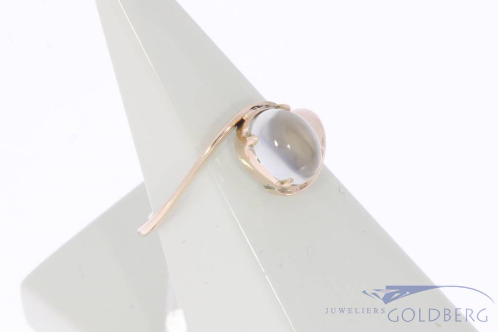 Antique 14 carat gold ring with moonstone ca. 1930