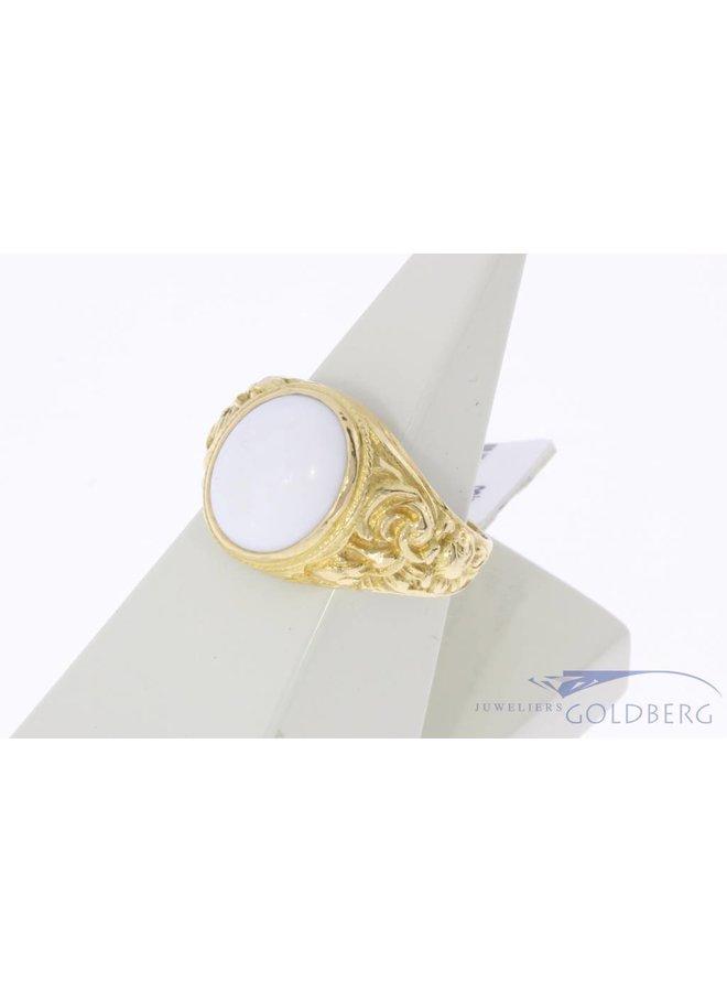 Robuuste vintage 18k gouden unisex ring met witte onyx