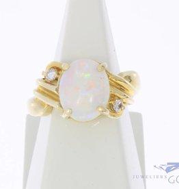 Vintage 14k gouden ring met opaal en ca. 0.10ct briljant geslepen diamant