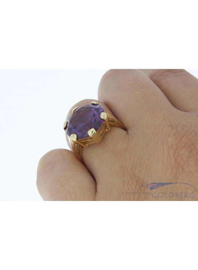 Vintage 18k gouden ring met grote amethist
