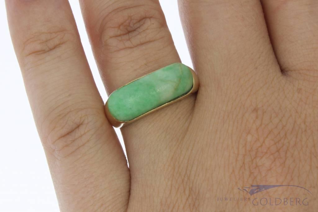 Robuuste vintage 14k gouden unisex ring met jadeiet