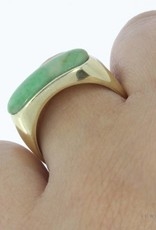 Robust vintage 14 carat gold unisex ring with jadeite