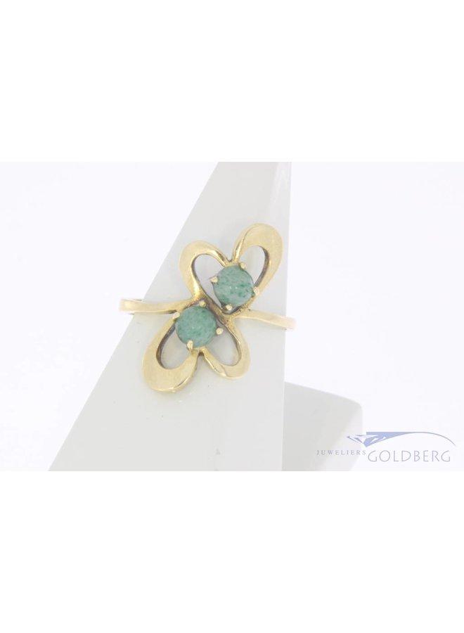 Vintage 18 carat gold ring with jadeite