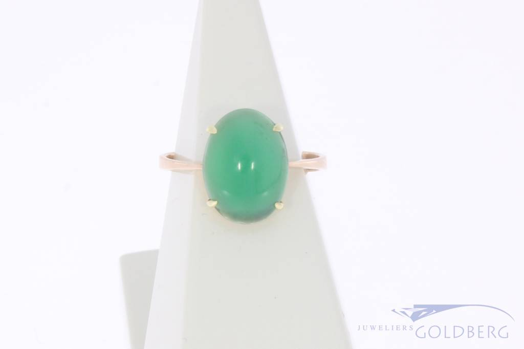Vintage 14 carat gold ring with Chrysoprase