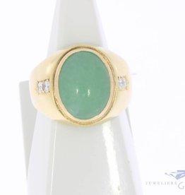 Robuuste vintage 18k gouden herenring met jade en ca. 0.15ct briljant geslepen diamant