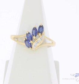 Vintage 18k gouden ring met blauwe saffier en diamantjes