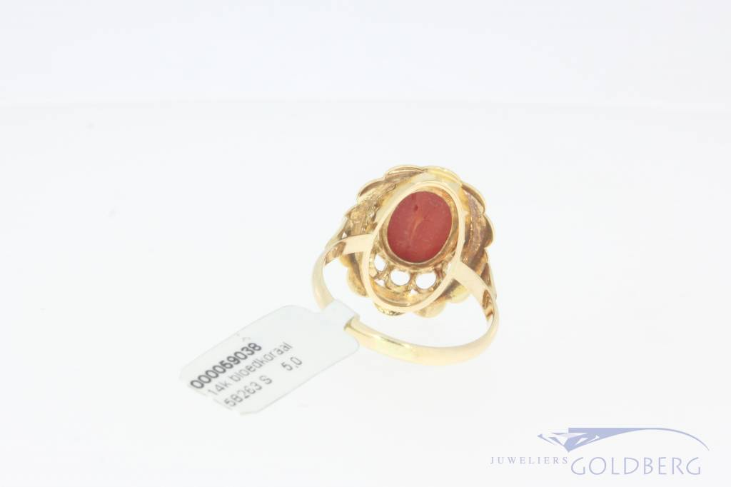 14k gold vintage ring with precious coral