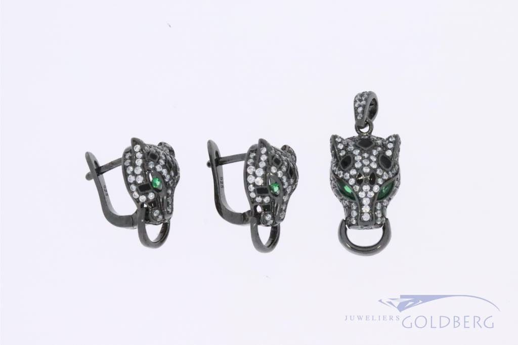 Silver black panther set with zirconia