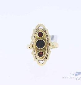 14k gold vintage ring 3 garnets