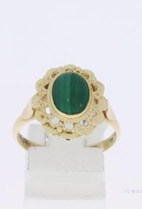14k gold flower shaped vintage ring with malachite