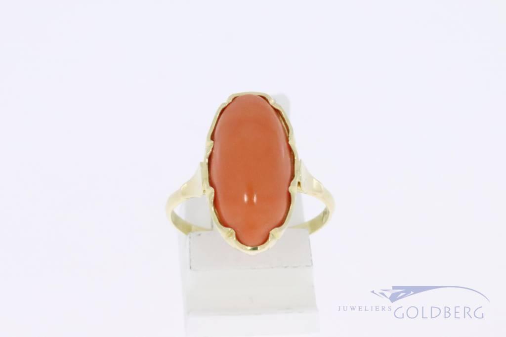 14k gouden ovalen vintage ring met bloedkoraal