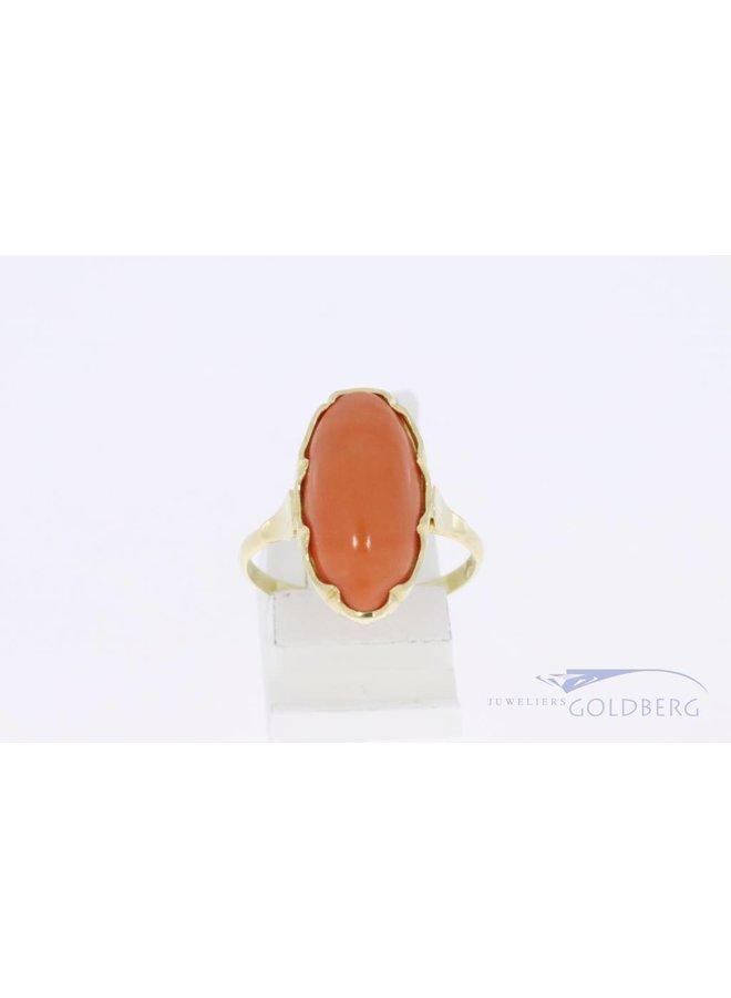14k gouden ovalen ring met bloedkoraal