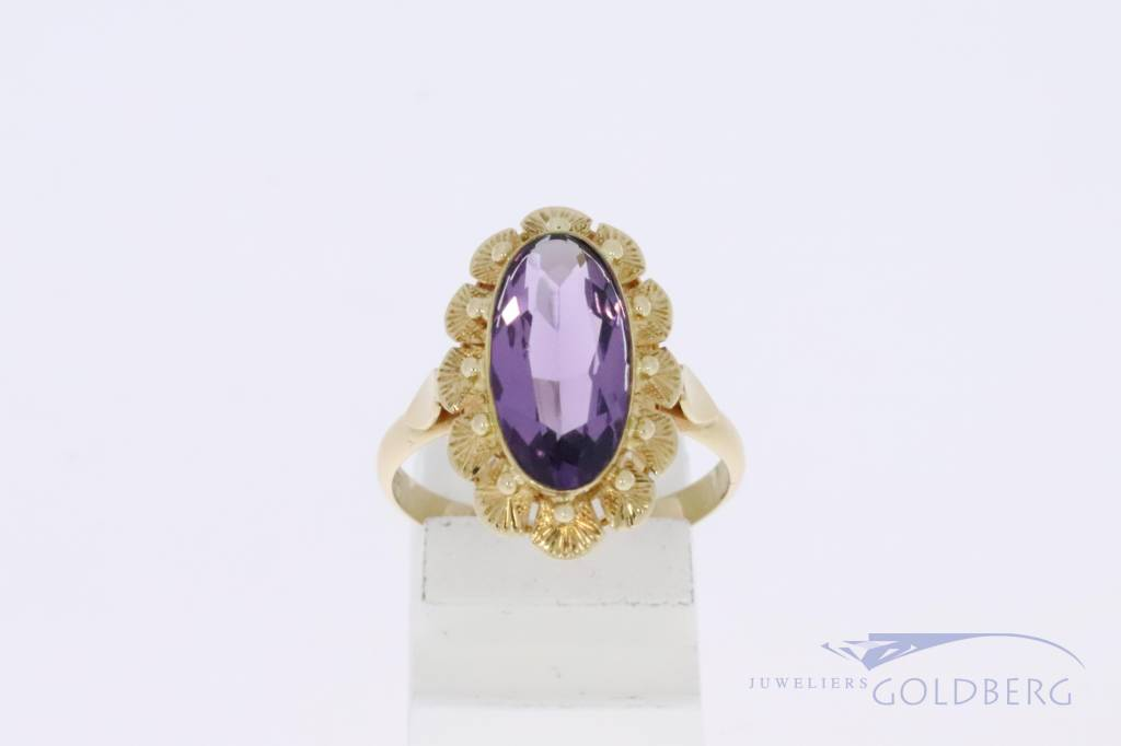 14k gouden bloemvormige vintage ring met amethist