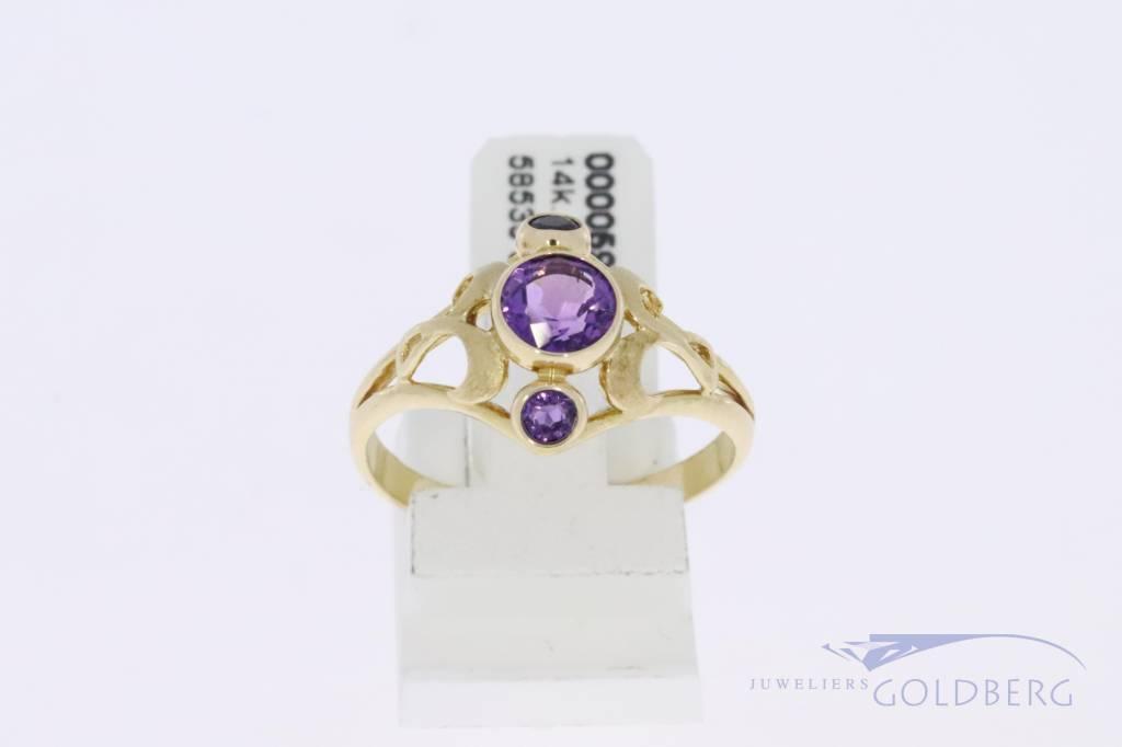 14k gouden vintage ring met 3x amethist