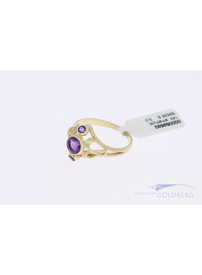 14k gold vintage ring with 3x amethyst