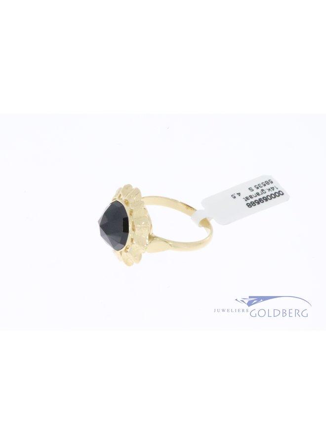14k gouden grote ronde vintage ring met granaat