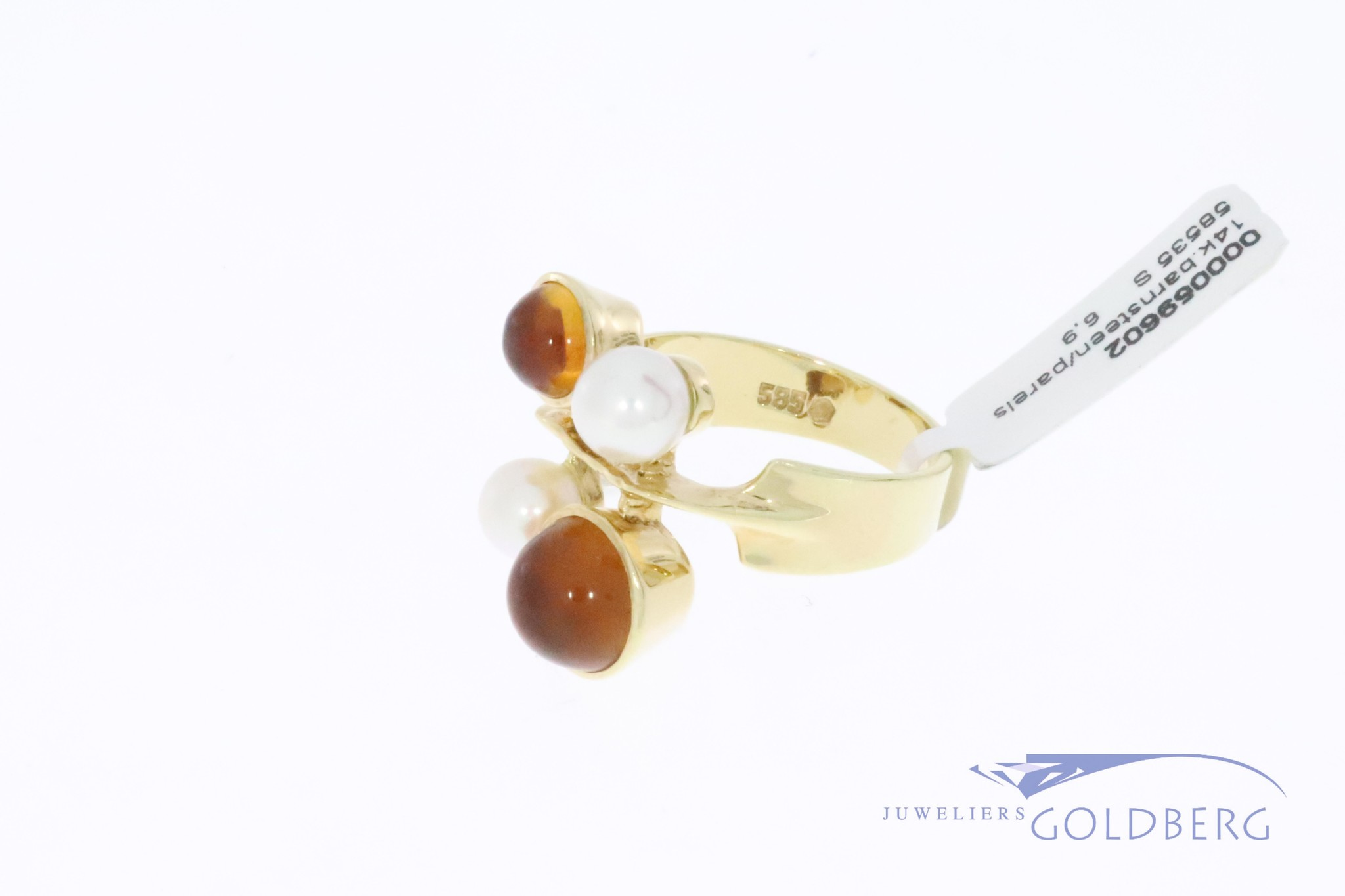 Large 14k gold vintage design ring with amber and pearl