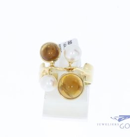 14k gold vintage design ring with amber and pearl
