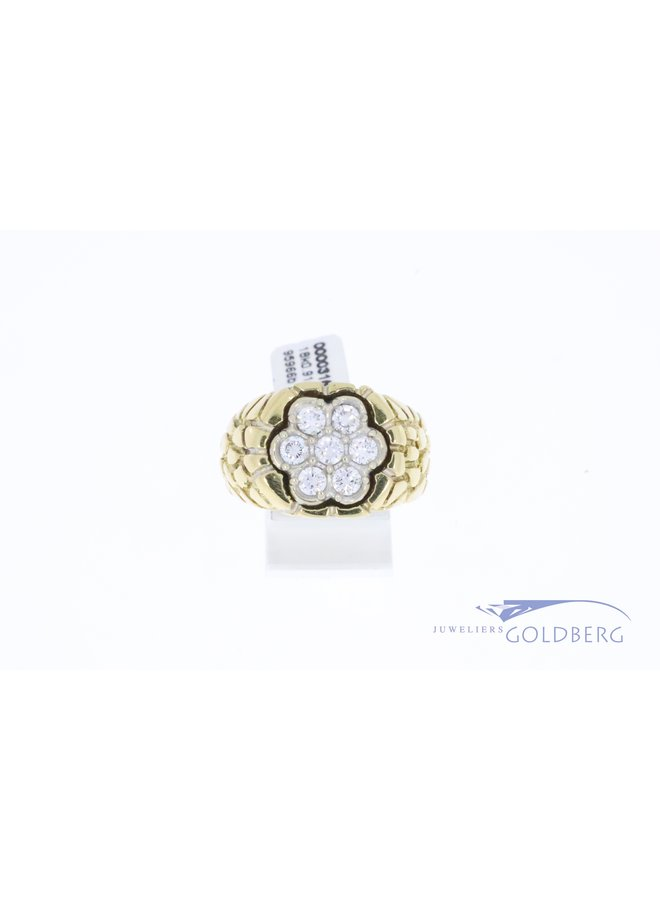Heavy 18k gold mens ring with 0.91ct in diamond