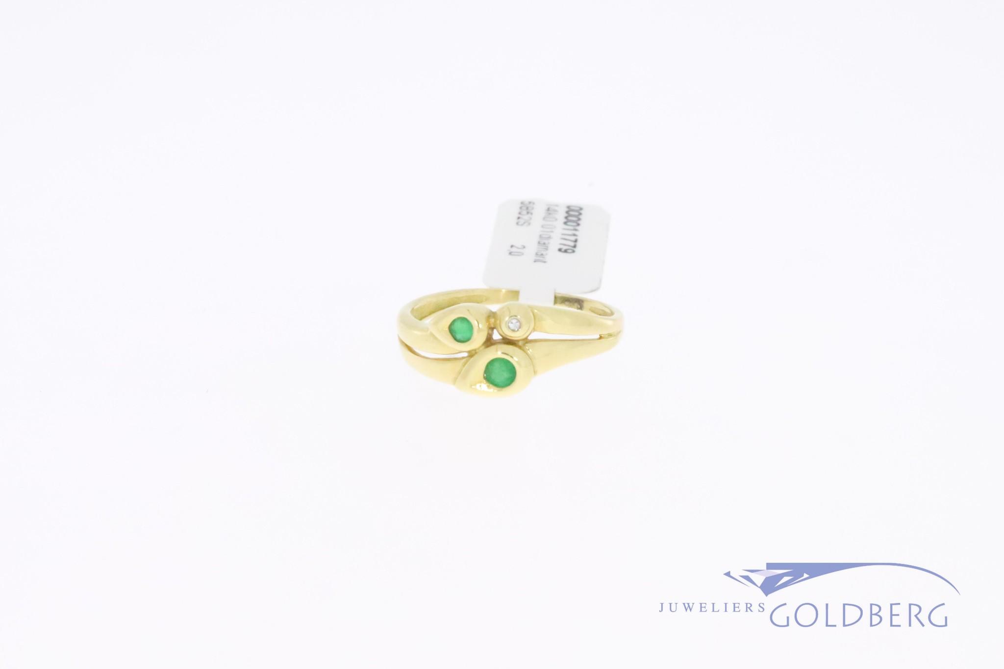 Fijne 14k gouden vintage fantasie ring met smaragd en 1x 8-kant geslepen diamant
