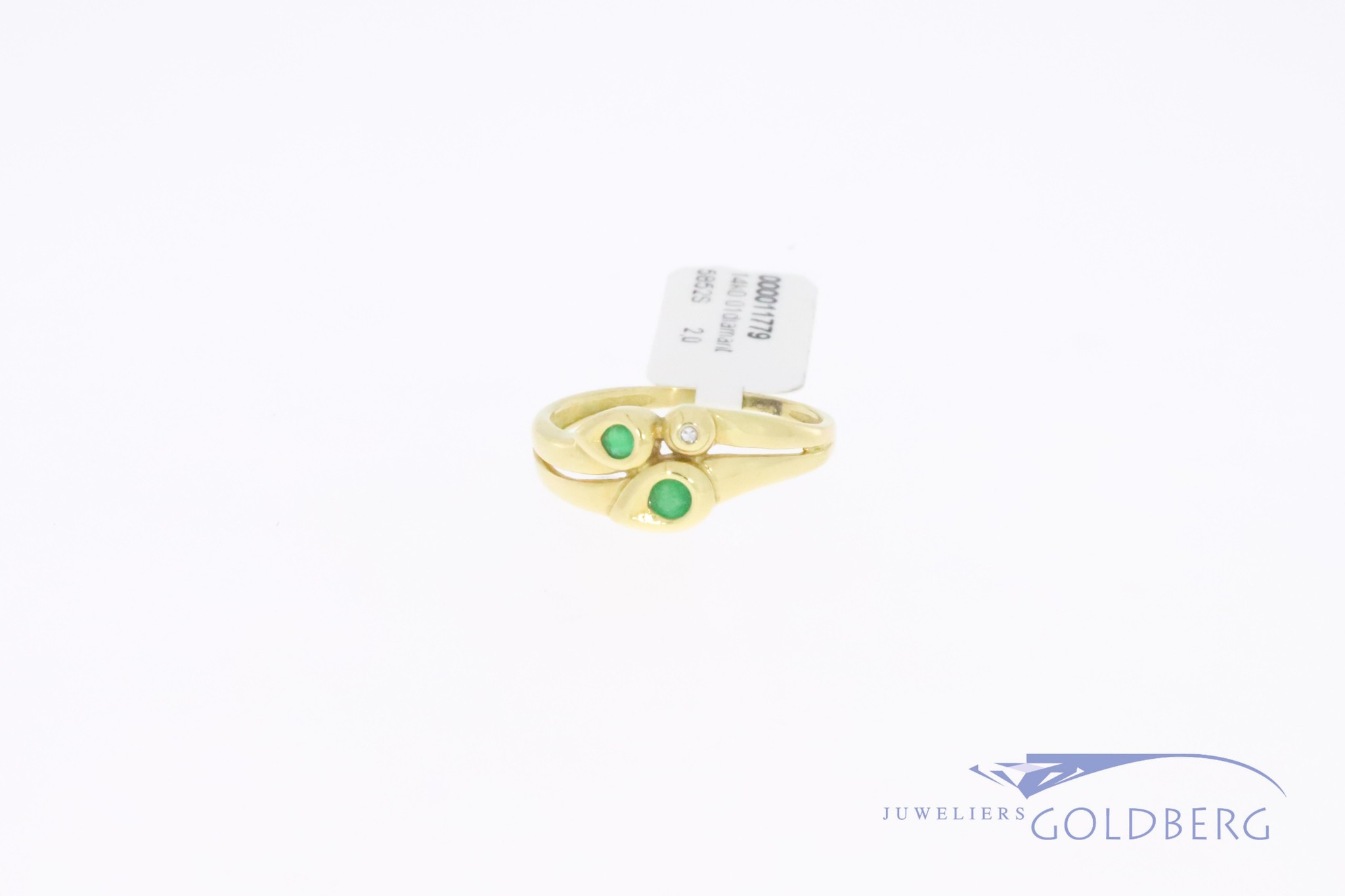 Small 14k gold vintage fantasy ring with 2 small emeralds and 1x single cut diamond