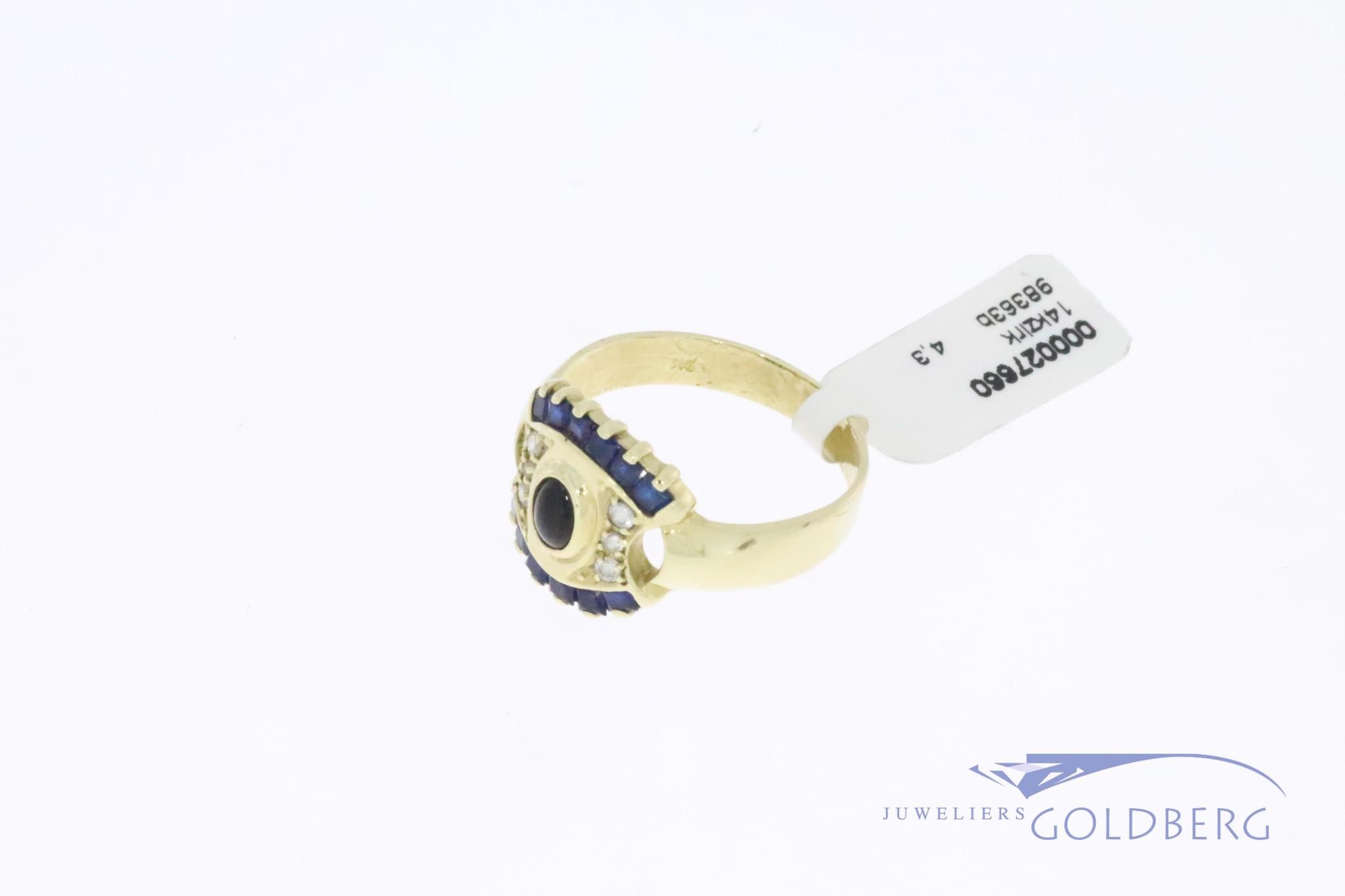 Brede 14k gouden vintage ring met zirconia's en synthetische blauwe saffiertjes