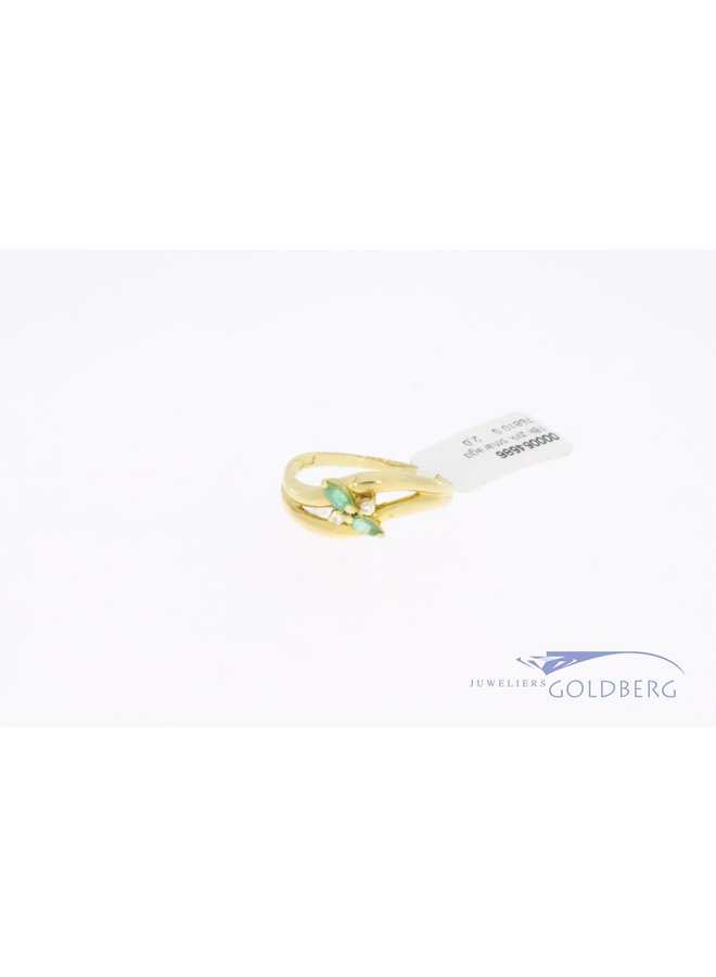18k gold vintage ring with emerald and zirconia
