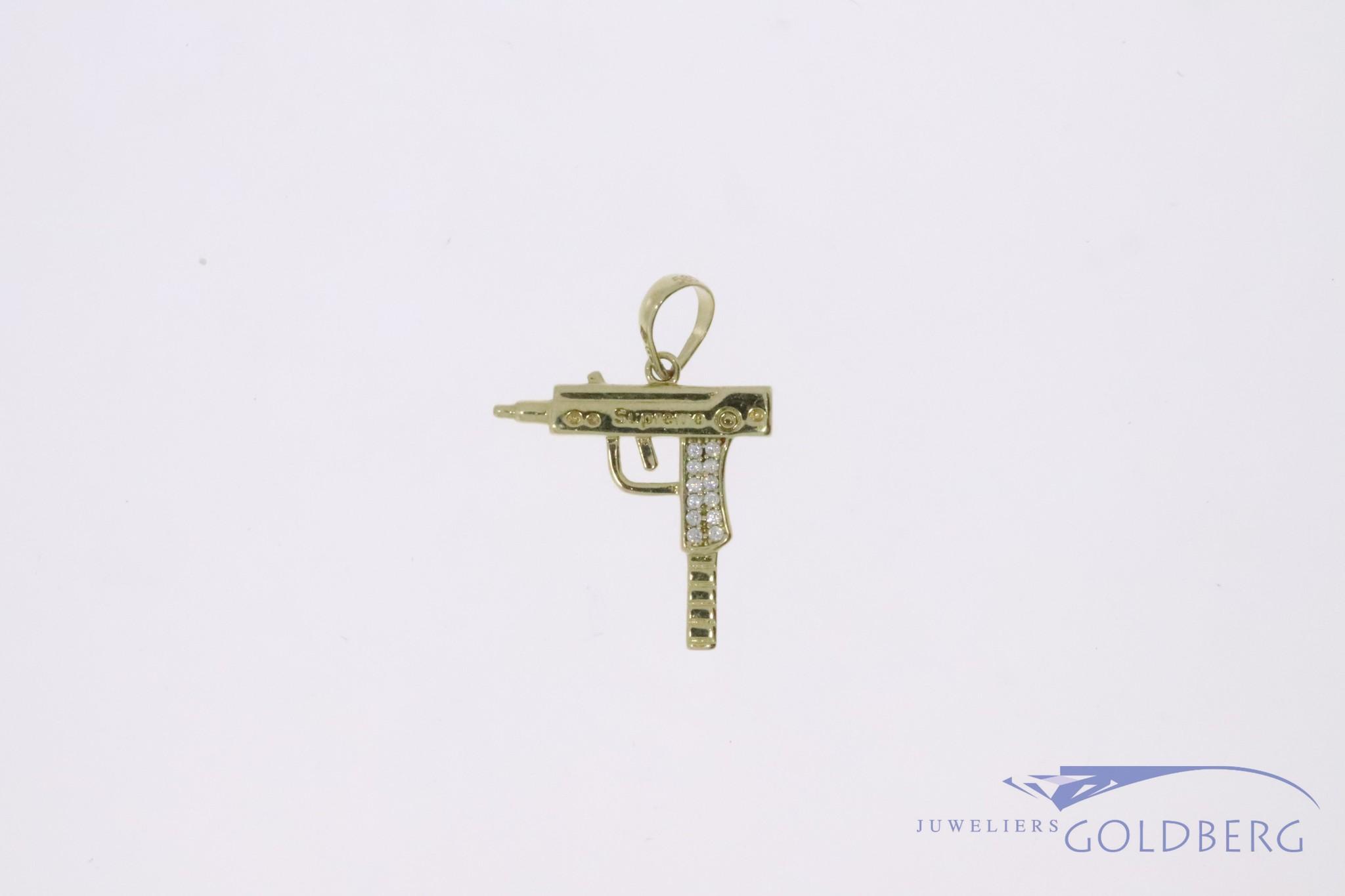 """14k gouden mini """"UZI"""" hanger met witte zirconia"""