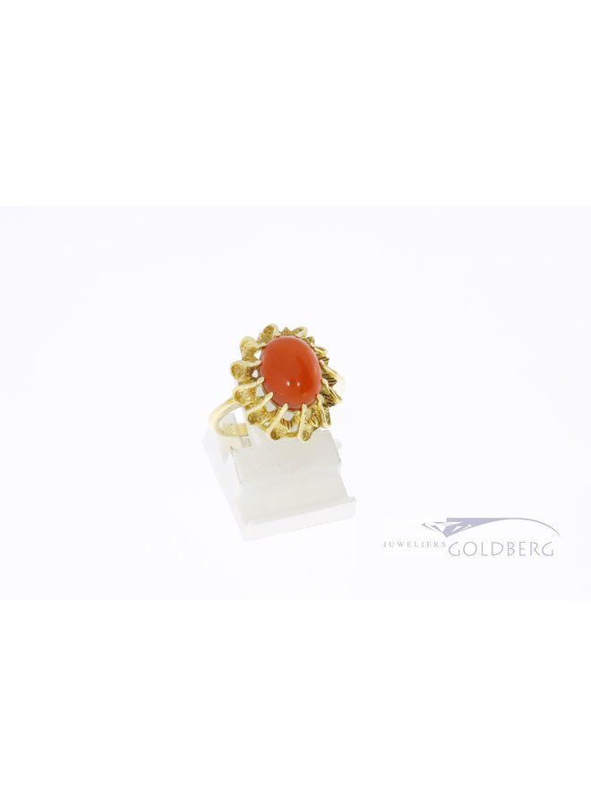 Vintage 14k ring with oval shaped carnelian