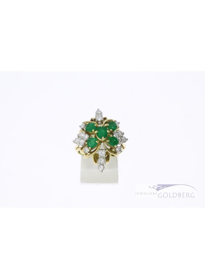 Beautiful 18k yellow gold ring with 5 emeralds and 18 diamonds.