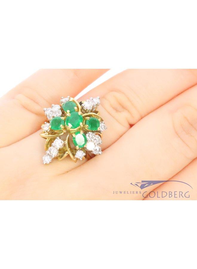 Beautiful 18k yellowgold ring with emerald and diamond