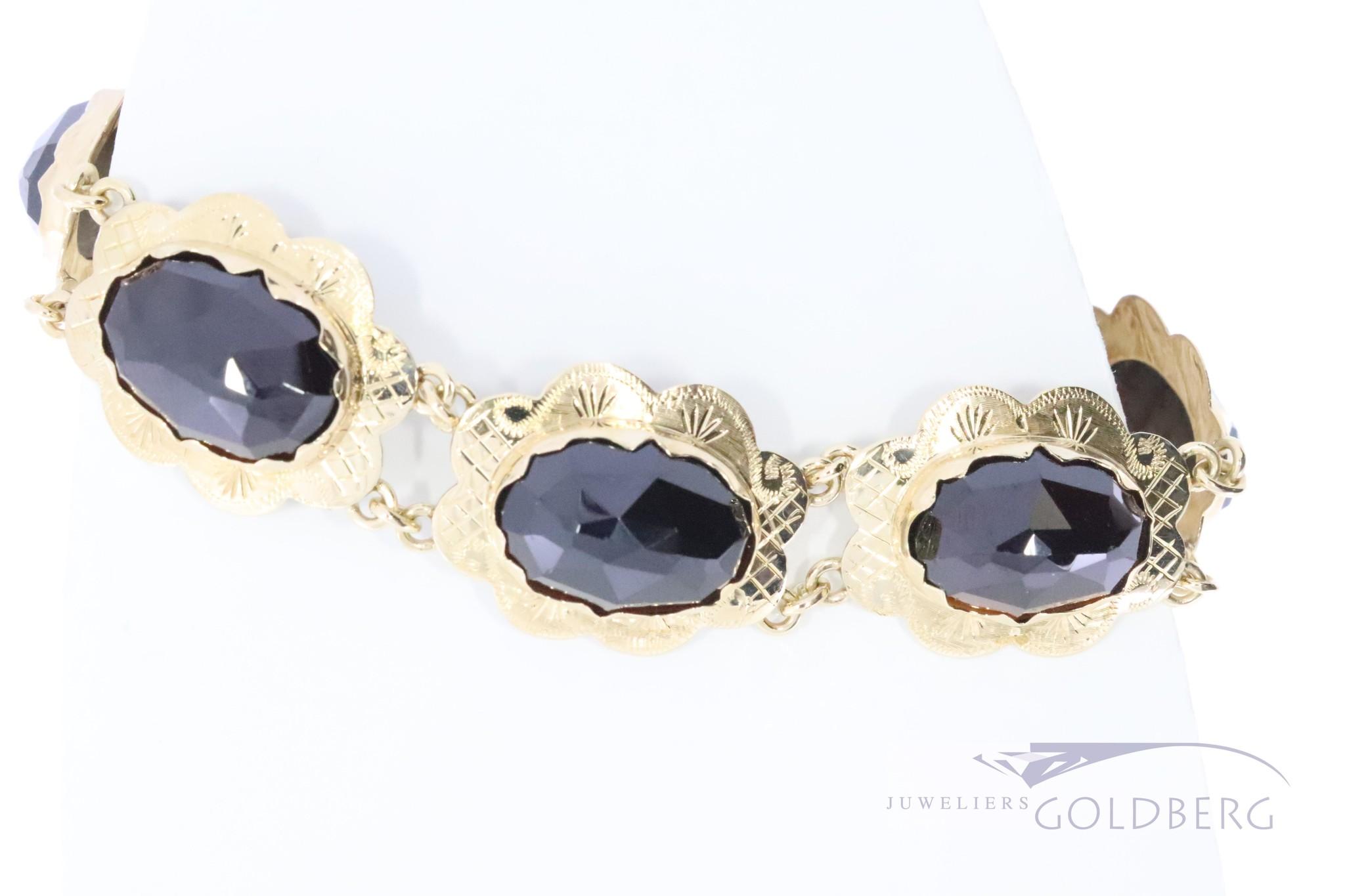 Jaren 60 14k gouden armband met 8 granaten