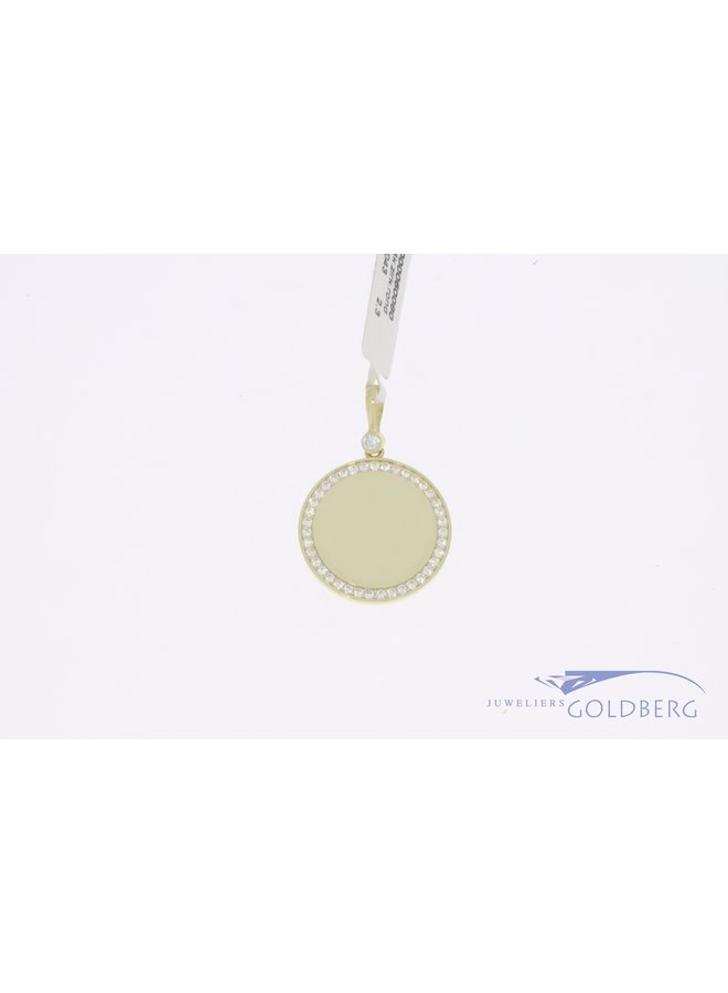 14k gold engravable round 20mm pendant with zirconia's