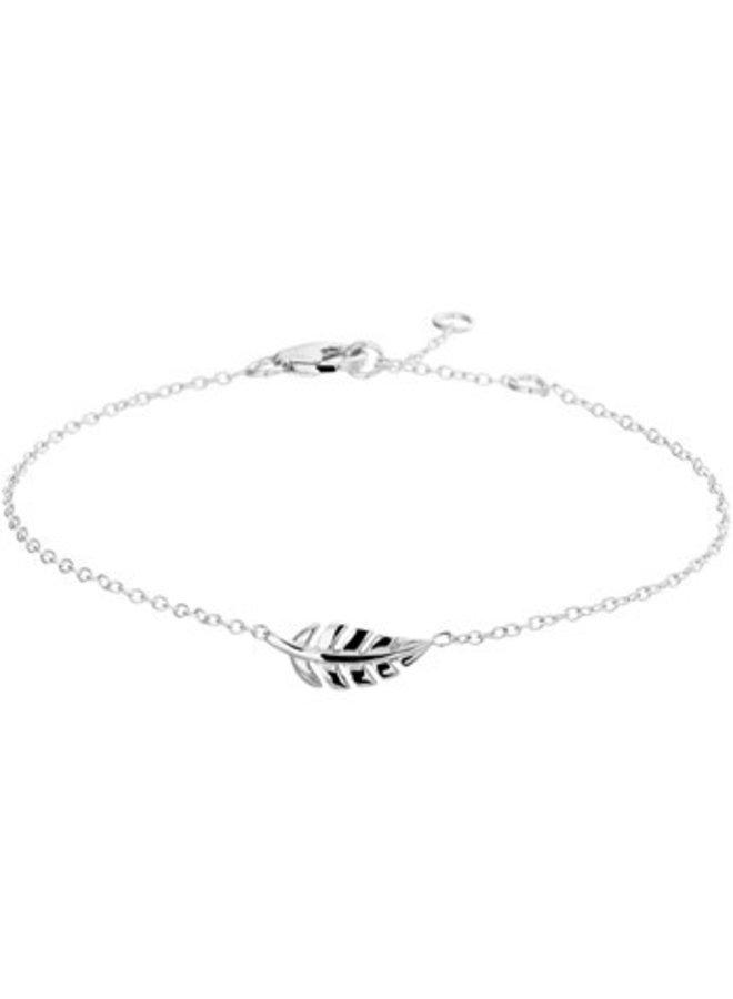 Leaf bracelet of rhodium silver.