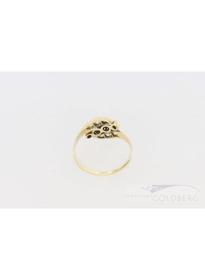 14k bolsjewiek ring met diamant en saffier