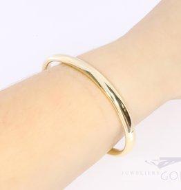 stylish 14k yellow gold bangle