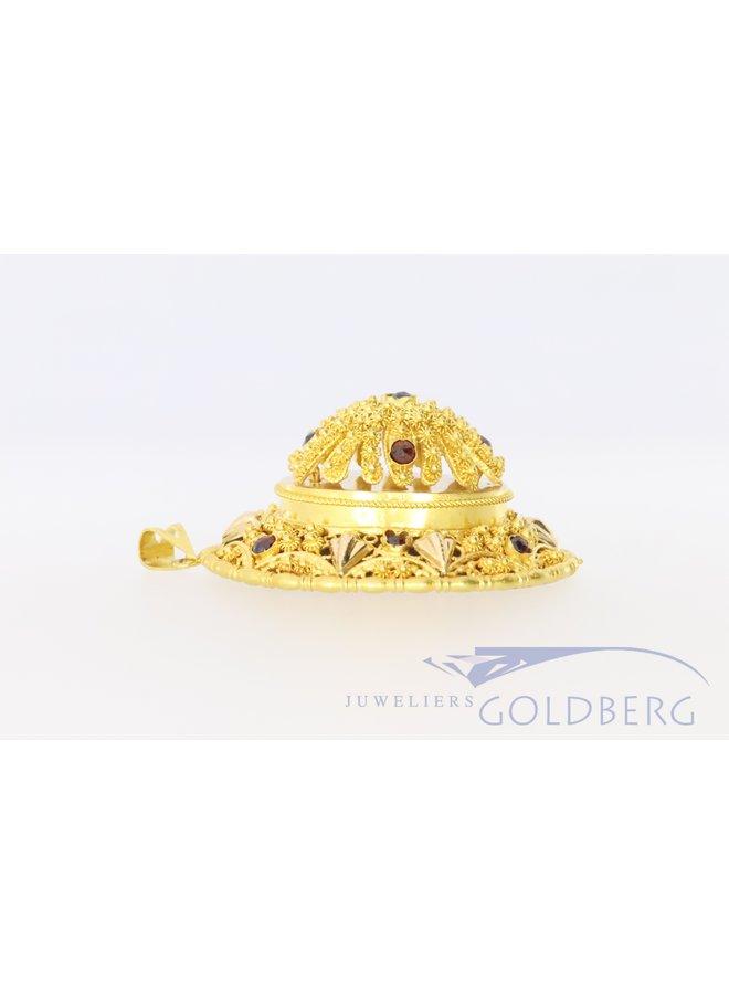 Grote 14k gouden filigreen hanger  met garnaat