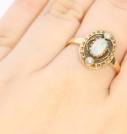 14k gouden ring met opaal ca. 1920