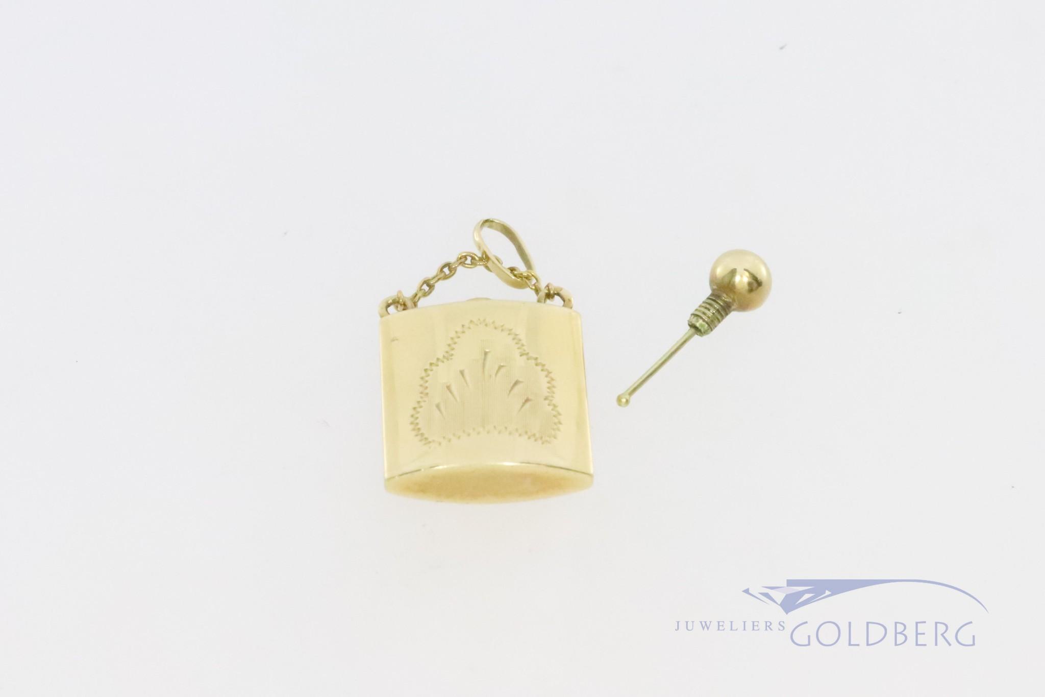 14k hangertje van een parfumflesje