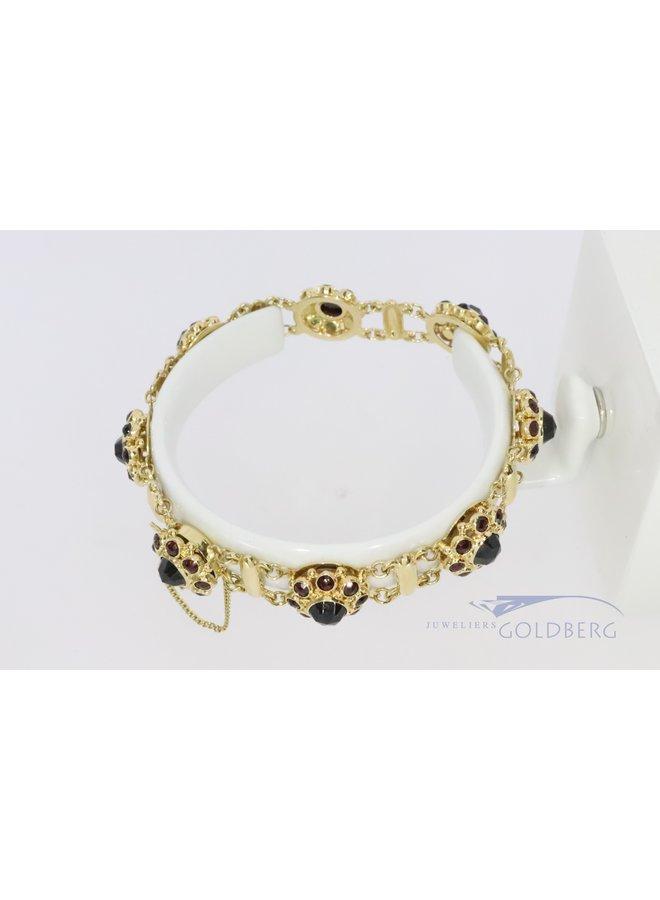 14k gold link bracelet with garnet