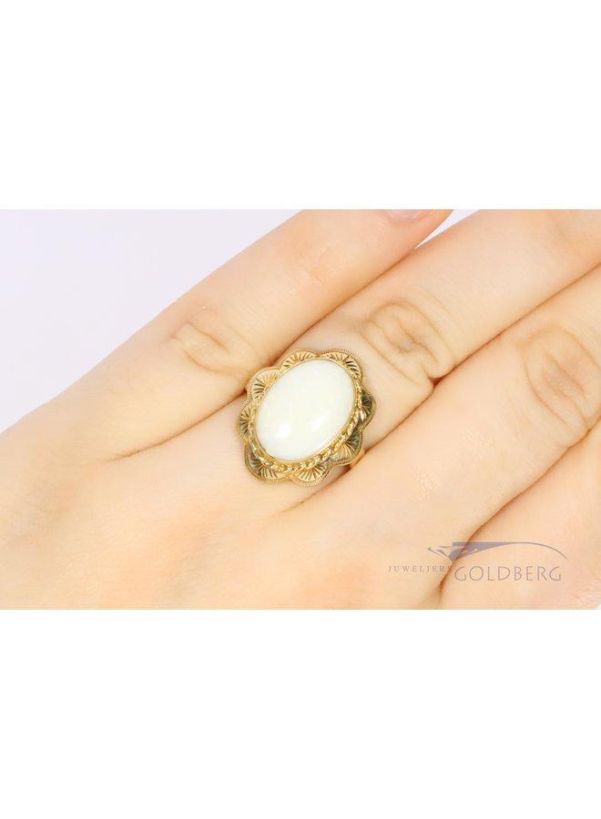 14k gouden bloemvorige opaal ring