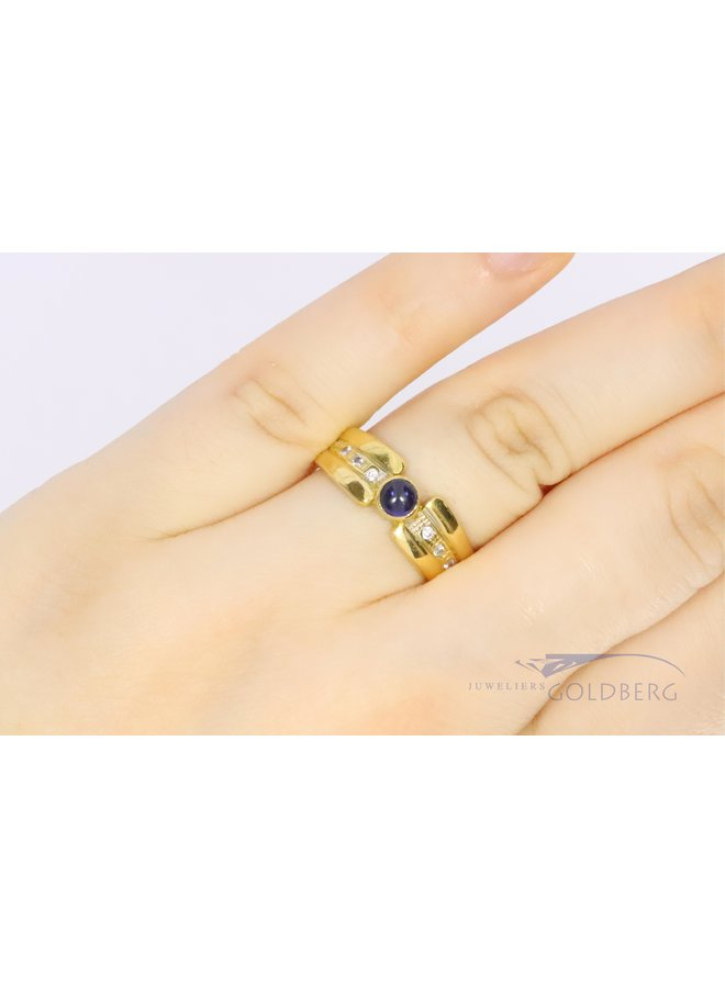 18k geelgouden ring met zirkonia en saffier