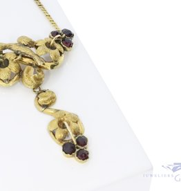18k necklace with garnet from France 1847-1919