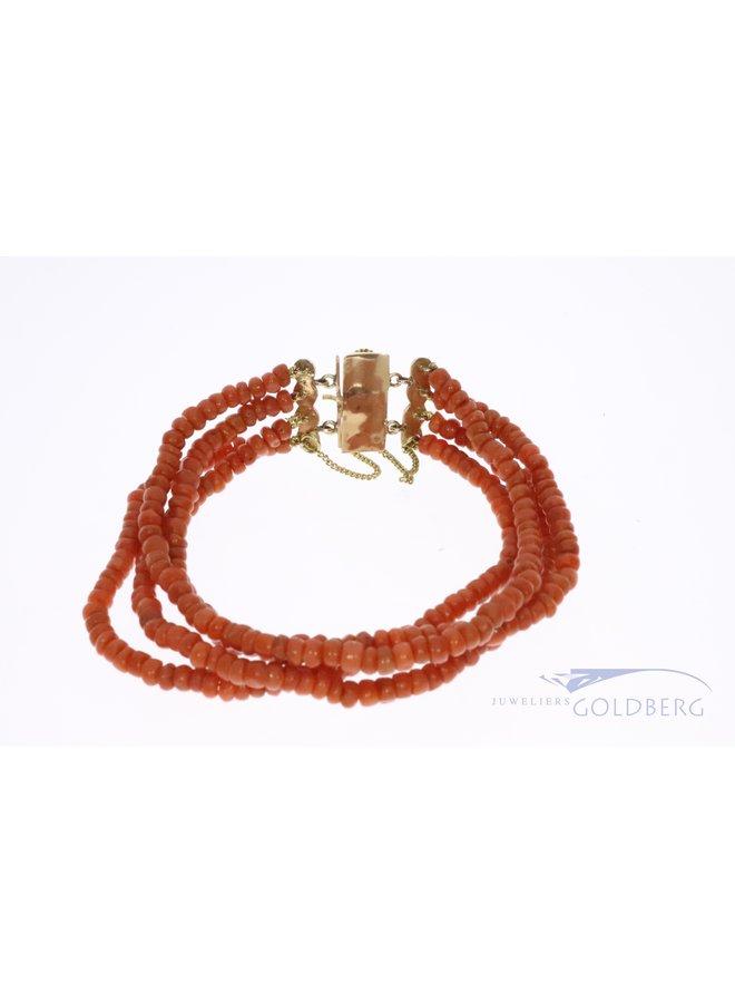 14k zeeuwse bloedkoraal armband
