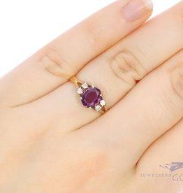 14k ring met Almandien en diamant